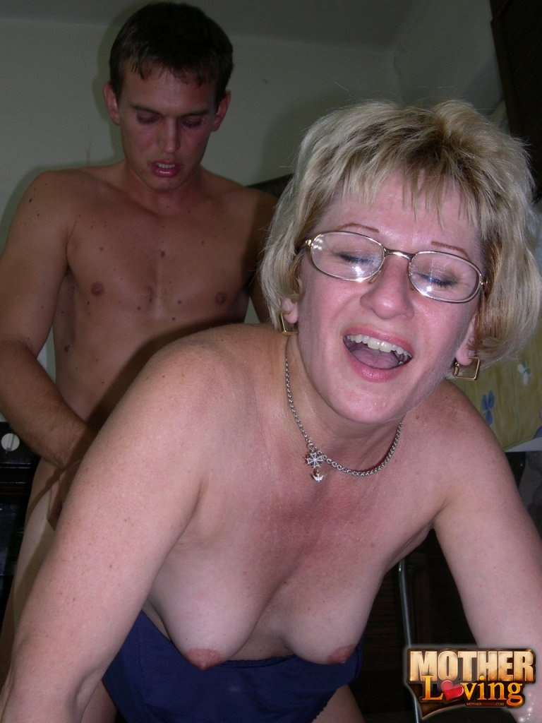 Milf mama seduces her twenty something stud alp43