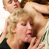 Curly mature babe makes fantastic blowjob to her bawdy son